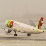 ...airborne...Airbus A320-213 / TAP Portugal (CS-TNL)