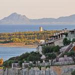 Kontraste am Abend - Porto Corallo im Südosten der Insel