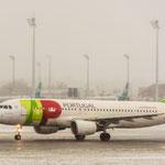 ...dachte sich auch Airbus A320-213 von TAP Portugal (CS-TNL)