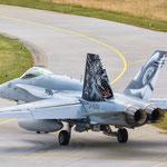 Die Schweizer F-18 mit Tiger Tail rollt zum Start... - 20.06.2014