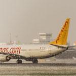 Die einzige Lösung...ab in den Süden, z.B. mit Pegasus Airlines nach Istanbul (Boeing 737-82R / TC-AAI)
