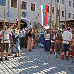 Events in Neuburg an der Donau - Mittelalterliches treiben während des Schloßfest in der Altstadt