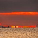 """Sonnenaufgang an der Costa Rei - 6:30Uhr - Das """"Maingate to Hell"""" öffnet sich für dieses Schiff"""
