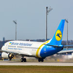 UR-GAW Boeing 737-5Y0 Ukraine International Airlines