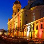 Neuburg an der Donau - Die Hofkirche während der Adventszeit 2012