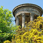 Edinburgh - Das Dugald Stewart Monument auf dem Calton Hill