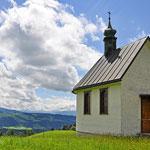 Ein typisches Bild für das Westallgäu - Kapelle nähe Scheidegg