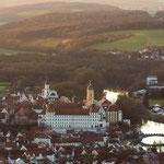 Blick auf das Schloß und die Altstadt von Neuburg aus östlicher Richtung