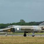...gefolgt von der 38+10 die als Gate Guard nach Neuburg zum JG 74 geht.