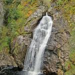 Wasserfall östlich von Loch Ness