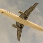 Touch me...tolle Lichtstimmung beim Final von D-AIRW (Airbus A321-131 / Lufthansa)