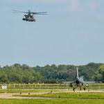 Die Ch-53 machte noch einen Überflug bevor es zurück nach Laupheim ging, die F-16 muss derweil warten