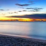 Sonnenaufgang an der Costa Rei - 5:57Uhr - Unter den gegebenen Umständen ein Farbspektakel das seines Gleichen sucht.