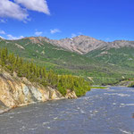 Der Nenana-River kurz vor dem Abzweig zur Park Road // The Nenana River close to the turnoff to the Park Road