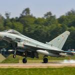 Der zweite Eurofighter der morgendlichen QRA-Runde beim Touch down