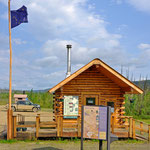 Besucherzentrum am Yukon River. // Visitor center on the Yukon River.
