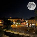 September - Neuburg leuchtet, der Mond auch (Photoshop-Spielerei)