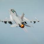 Ein Wochenendbesucher (F-16 aus Norwegen) auf dem Heimweg - 18.06.2014