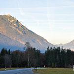 Blick Richtung Garmisch, kurz vor Grainau. Es zieht bereits wieder Nebel auf.