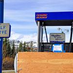 Richardson Highway - Die erste Tankstelle nach Delta Jct in Paxson...hatte keinen Sprit. Hier gehts auf den Denali Highway.
