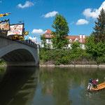 Startpunkt unter der Elisenbrücke, oben der Fanfarenzug