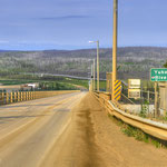 Yukon River Bridge mit der Alaska Pipeline // Yukon River Bridge with the Alaska Pipeline