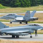 Eurofighter des TaktLwG 74 Neuburg und eine F-18 der Fliegerstaffel 11 - 20.06.2014