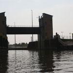 in Richtung Niedrigwasserschleuse Magdeburg