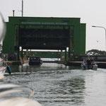 Einfahrt ins Schiffshebewerk Rothensee