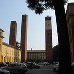 Typisch für die alte Universitätsstadt Pavia sind die mittelalterlichen Türme an den Häusern der früher mächtigsten Familien der Stadt. Viele sind allerdings bereits zusammengefallen.