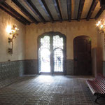Repräsentative Eingangshalle eines Nachbarhauses des Casa Batllo.