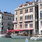 """Dieser Palazzo darf nicht fehlen! Das """"Hotel BAUER Palazzo"""" (Es existiert leider keinerlei verwandschaftliche Beziehung zu mir !)."""