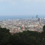 Blick vom Park Güel über die Stadt.