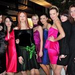 Modenschau von Ali Thompson im Februar 2010. (Ich als dritte von links.)