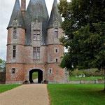 Châtelet Chateau de Carrouges © Gérard Houdou