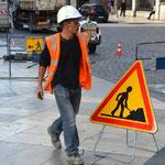 Symbolik III Wer Arbeit kennt und dann nicht rennt – der pennt. Arbeiterstadt Lyon.