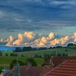 Schönwetterwolken Die bange Frage bleibt: bleibt das schöne Wetter? Abendstimmung. Gute Nacht.