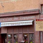 4 Lokale nebeneinander ... ... und wie sie sich präsentieren. Rue Octavio Mey.