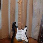エレクトリックギター  Fender ストラトキャスター