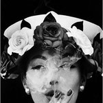 Hat & 5 Roses