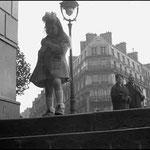 Quartier Latin, scène de rue, Paris, 1956