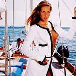 Agosto - Ana Claudia Michael