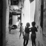 Les enfants, Arles, 1975