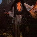 Giugno - Jackie Old Coyote è Dona Juana Azurduy De Padilla, che ha combattuto per la guerra di indipendenza in Bolivia