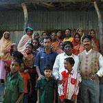 Alle Bewohner mit Shakil Syed