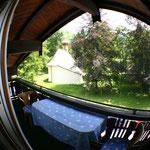 Balkon mit Blick auf den Hubertuspark