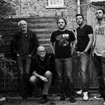 green wave 2013(Foto:Tino Francus): Deddé Schäfer-bass,voc; Rainer Wahlmann-vox,harp; Daniel Minnerath-guitars,banjo; Sven Gross-keyboards,voc; Manuel Schwierczek-drums,perc