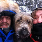 sooooo kalt... (Sabine und Michael Padberg mit Nanuk)