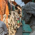 Kumartuli se compose d'un dédale de ruelles qui fourmillent d'ateliers de sculptures