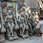 Les habitants vouent un culte attentionné à Saraswati, déesse de la littérature et des arts